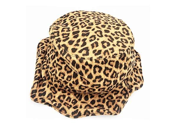 Slant of Beige Leopard Printing Wave Bucket Hat